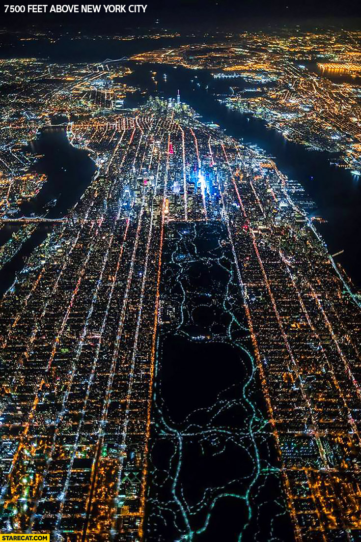 7500 feet above New York City creative night foto taken from a plane
