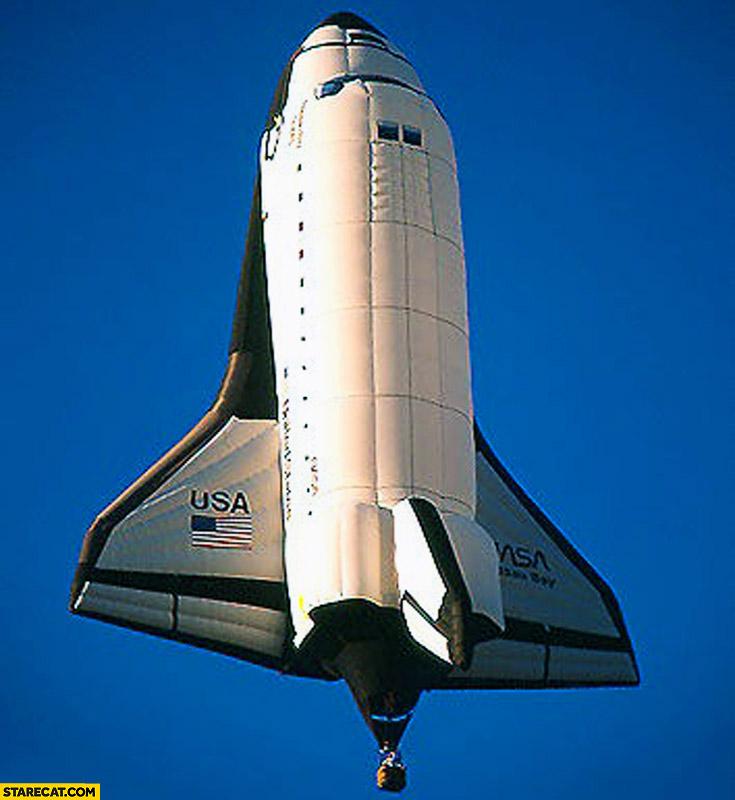 Balloon in shape of NASA Space Shuttle