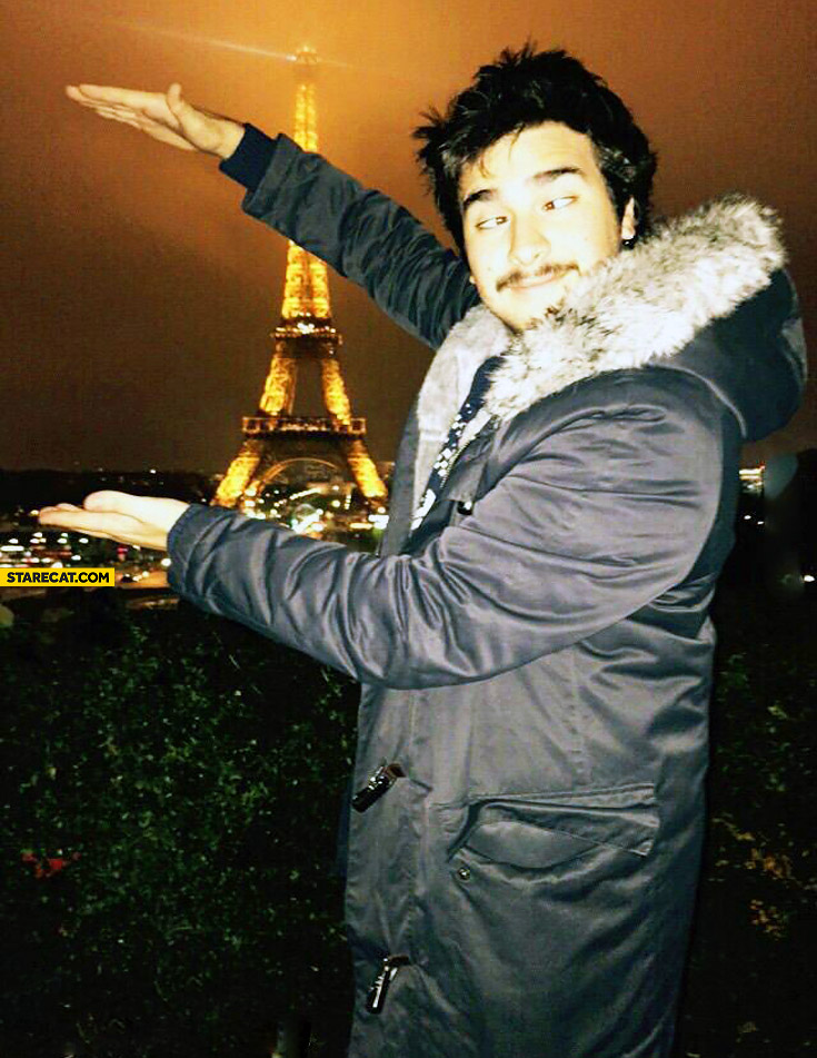 Eiffel tower in hands missed fail