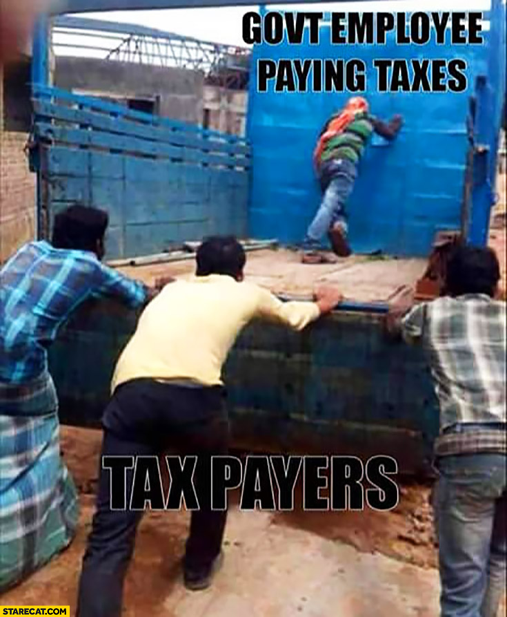 Government employee paying taxes vs tax payers comparison