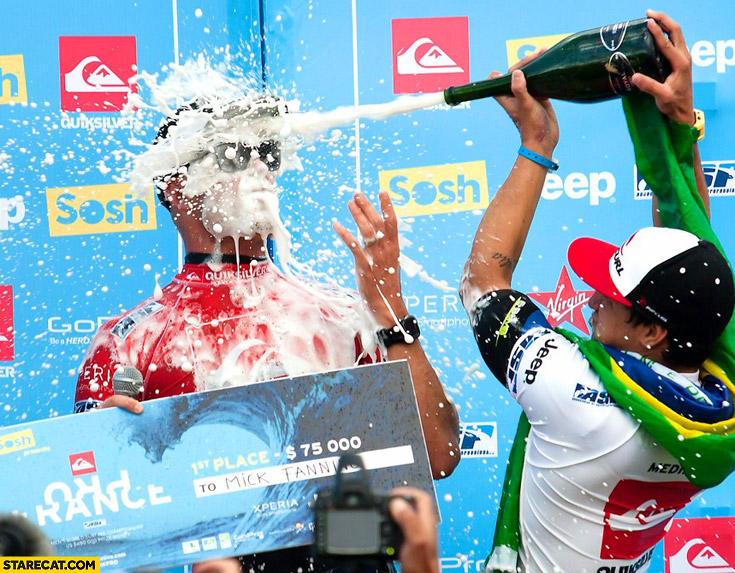 Mick Fanning champagne fail Medina France podium 2013