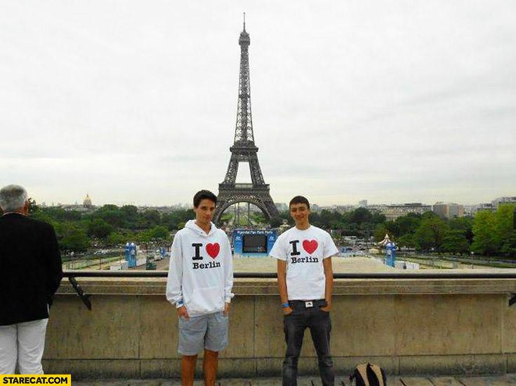 "Photo in Paris ""I love Berlin"" t-shirt hoody Eiffel tower trolling"
