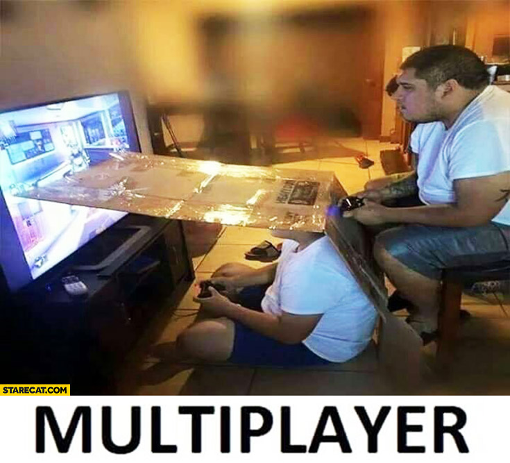Playing multiplayer on one screen creative split screen using cardboard